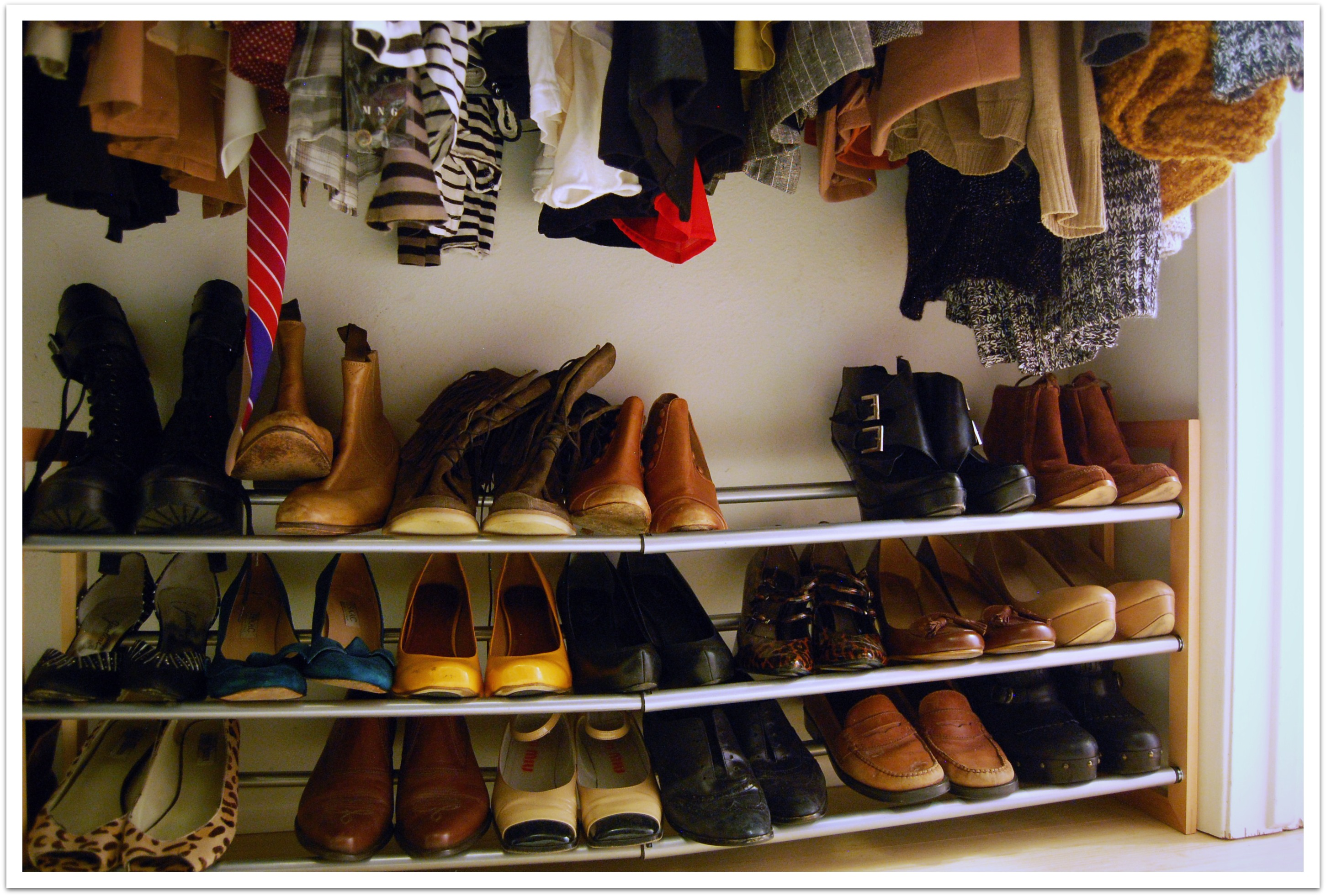 Diy building a closet shoe organizer plans free for Building a shoe closet