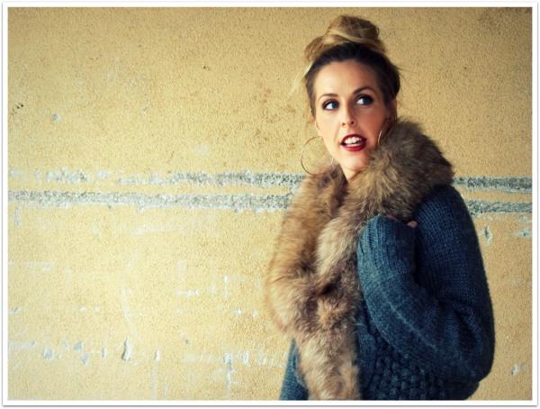 """Carrie Bradshaw Bun, Hair Tutorial, Top Knot"""